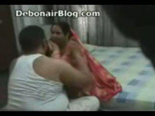 Pakistan stric in aunty zasačeni romancing v the