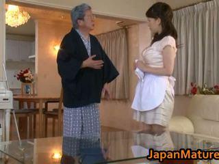 Äldre japanska kvinna fan röret