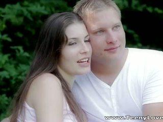Teeny lovers: romantic caralho em o floresta