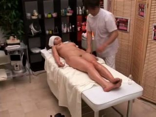 Facultad chica seduced por masseur