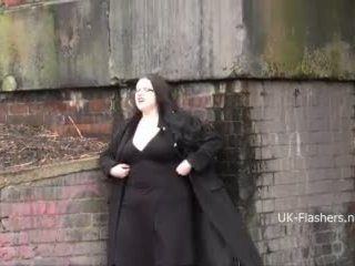 BBW amateur Emmas public masterbation and outdoor flashing of fat gal in homemade exhibitionist footage for voyeurs