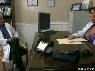 Heet dr veronica avluv met groot tieten getting banged in kniekousen video-