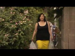 Lielas skaistas sievietes: aziāti ar a liels pakaļa