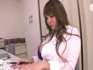 Hitomi tanaka (secretary)