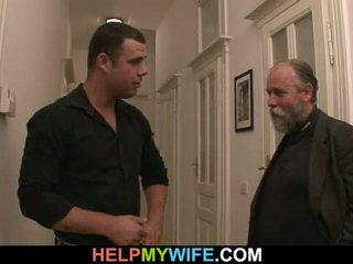 Desperate makens pays en pinn till fan hans hustru