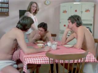 Dari an amerika playgirl 1975 (cuckold, dped) mfm