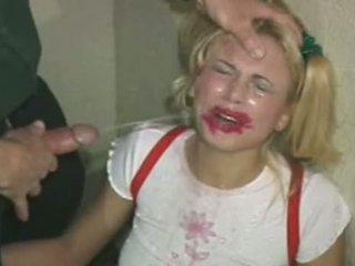 E abuzuar dhe slapped