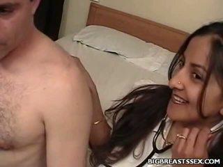 Breasty perawat clinic seks