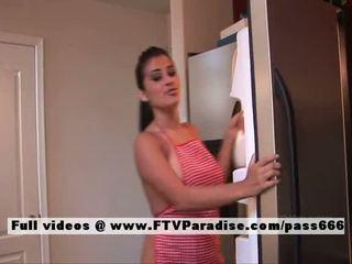 Alexa loren adored nudo bruna in il cucina