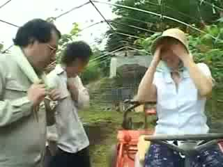 Азіатська село жінка gets зневажена відео