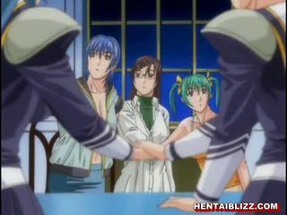 Hentai coed ar liels bumbulīši gets grūti penetrated