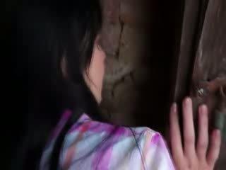Innocent model gets hard rammen in oud cellar