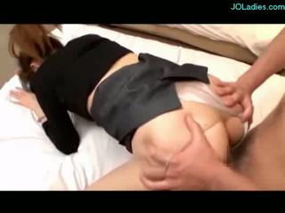 Hot kantor lady getting her burungpun fucked rai on the bed