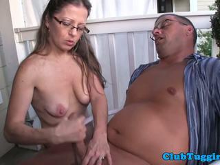 Spex amadora milf giving punhetas em o porch: grátis porno 8b