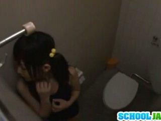 日本の, 十代の若者たち, 三つ巴