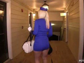 Sexy aire hostess gets follada
