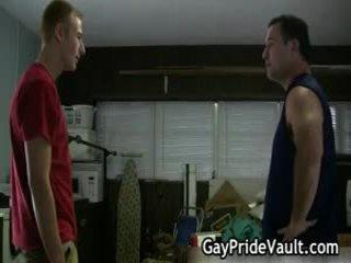 Hard homo beer neuken en engulfing 3 door homopridevault