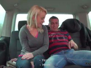 Overspel vrouw fucks een stranger in traffic <span class=duration>- 29 min</span>
