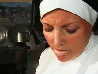 Big chested lemu biarawati fucks & sucks