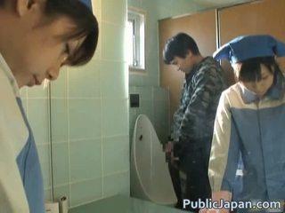 Aziatisch geneukt op toilet