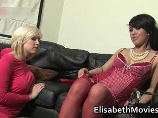 Hawt ラテン ベイブ receives 彼女の muff licked