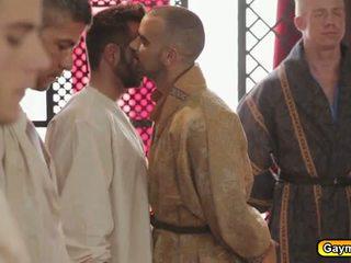 Đồng tính vua hậu môn fucks bất cứ người nào anh ấy muốn đến