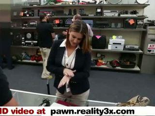 Réel spycam sexe - foxy entreprise dame gets baisée - pawn.reality3x.com