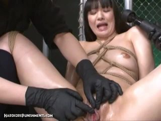 Japānieši skaistule tortured līdz vibrators