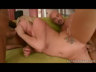 Hot Alma Delux getting screwed on both her mouth and twat at the same time