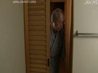 山雀, 他妈的, 日本