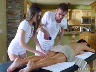 Brazzers - sexy trio massaggio <span class=duration>- 7 min</span>
