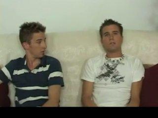 Aiden & sean having homosexual pagtatalik sa ang sopa homosexual pornograpya 4 by gotbroke