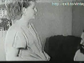 1927 blondi kotiäiti kanssa a visitor
