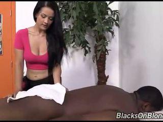 Inked katrina jade got creampied door een zwart dude