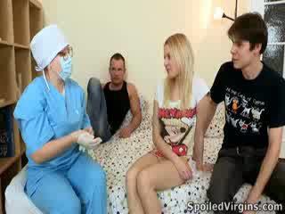 Losing เธอ virginity เป็น an น่าประหลาดใจ เหตุการณ์ และ natali wants ไปยัง ทำ the มากที่สุด ของ มัน.