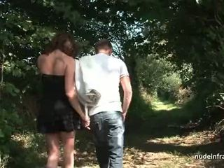 Amateur french brunette milf ass fucked in threeway with Papy outdoor