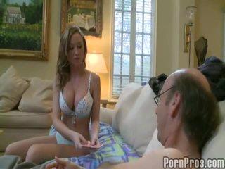 Youthful likes seks met rijpere man vids