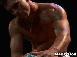 Closeup gejské rimming s muscular pár