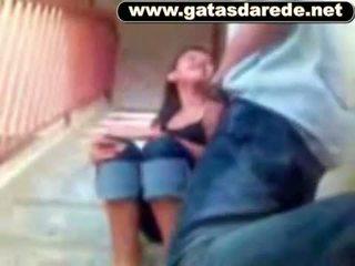 Comeu un novinha na escada
