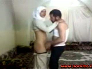 Egiziano hijab sgualdrina