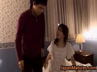 Küpsemad jaapani mudel gets fingered