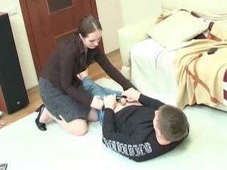 Jong dekhengst getting enticed in hardcore pounding mijn ondeugend milf