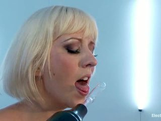Aiden Starr Tests Cherry Torn S True Fear Of Electricity1