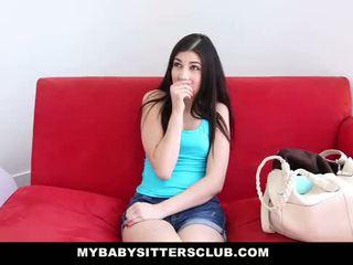 Mybabysittersclub - dado fucks të saj shefi në mbaj të saj punë