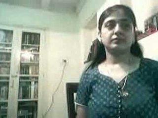 حامل هندي زوجان سخيف في كاميرا ويب - kurb