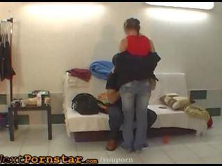 brunete, kissing, deja