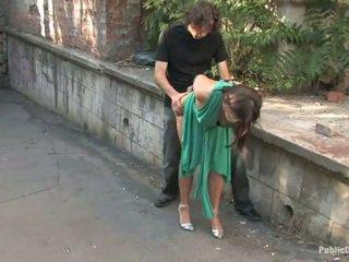 Lange legged europäisch gets bestraft