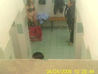 Gym dressing kamer - mooi meisjes naakt betrapt