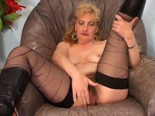 Amateur harig dame neuken op armchair - lostfucker: porno 9e