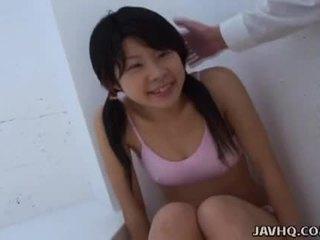 Asiatic adolescenta sugand ea ca greu ca ea putea